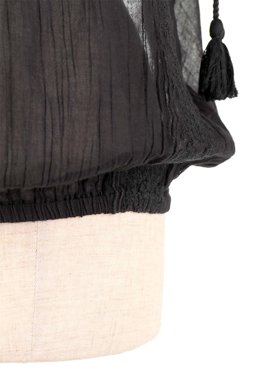 LOVESTITCHのAnyaTop(Black)刺繍入りコットンガーゼブラウス/海外ファッションが好きな大人カジュアルのためのLOVESTITCH(ラブステッチ)のトップスやシャツ・ブラウス。ボヘミアンテイストのショート丈コットンガーゼブラウス。ガーゼの透け感が上品で夏らしいアイテム。/main-15
