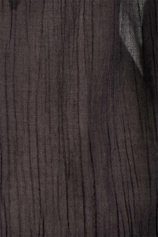 LOVESTITCHのAnyaTop(Black)刺繍入りコットンガーゼブラウス/海外ファッションが好きな大人カジュアルのためのLOVESTITCH(ラブステッチ)のトップスやシャツ・ブラウス。ボヘミアンテイストのショート丈コットンガーゼブラウス。ガーゼの透け感が上品で夏らしいアイテム。/main-17