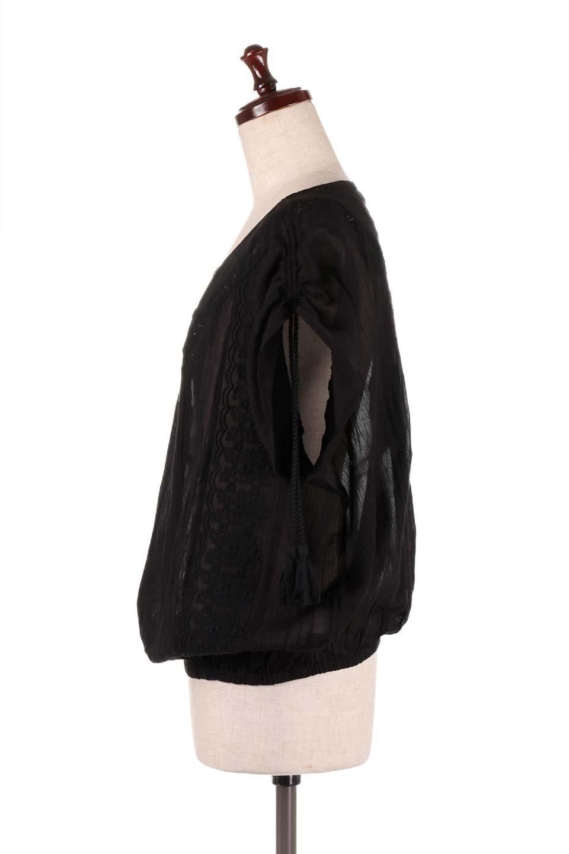 LOVESTITCHのAnyaTop(Black)刺繍入りコットンガーゼブラウス/海外ファッションが好きな大人カジュアルのためのLOVESTITCH(ラブステッチ)のトップスやシャツ・ブラウス。ボヘミアンテイストのショート丈コットンガーゼブラウス。ガーゼの透け感が上品で夏らしいアイテム。/main-2