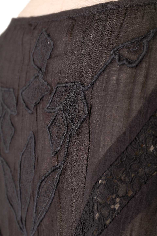 LOVESTITCHのAnyaTop(Black)刺繍入りコットンガーゼブラウス/海外ファッションが好きな大人カジュアルのためのLOVESTITCH(ラブステッチ)のトップスやシャツ・ブラウス。ボヘミアンテイストのショート丈コットンガーゼブラウス。ガーゼの透け感が上品で夏らしいアイテム。/main-9