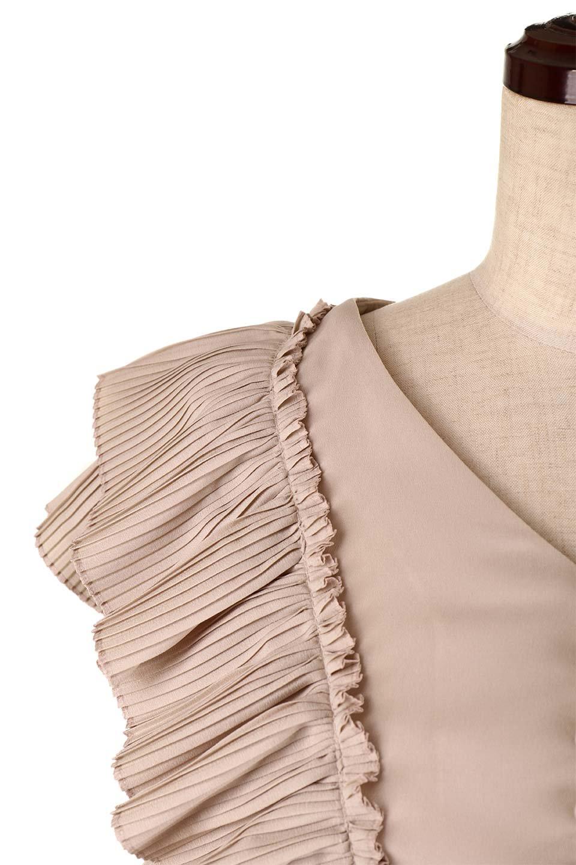 PleatedFrillingBlouseプリーツフリルブラウス大人カジュアルに最適な海外ファッションのothers(その他インポートアイテム)のトップスやシャツ・ブラウス。細かいプリーツのフリルが可愛いショート丈のブラウス。胸から肩をまたいで腰の部分までボリュームたっぷりのフリルが特徴。/main-25