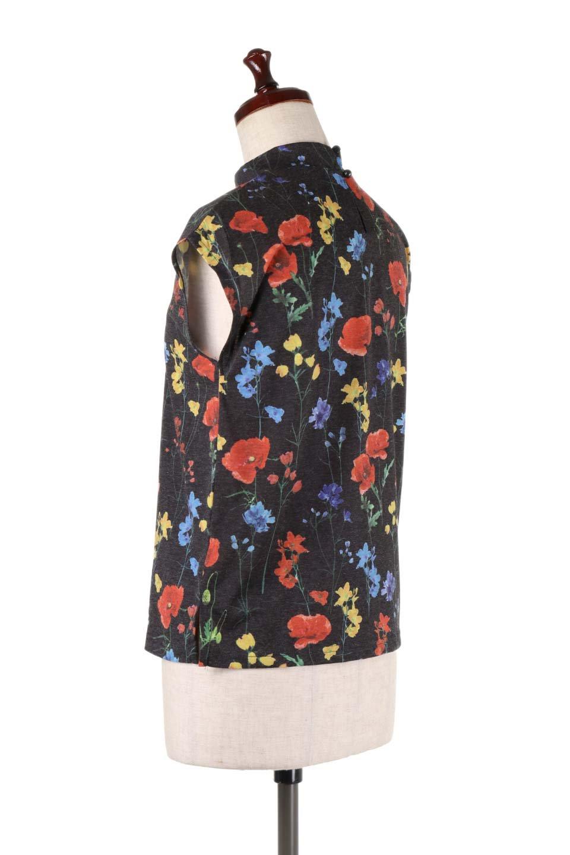 StandNeckFlowerTopスタンドカラー花柄トップス大人カジュアルに最適な海外ファッションのothers(その他インポートアイテム)のトップスやカットソー。可愛らしい花柄のノースリーブトップス。水彩画のような花のプリントにウォッシュ加工が施され、カジュアルな雰囲気です。/main-13
