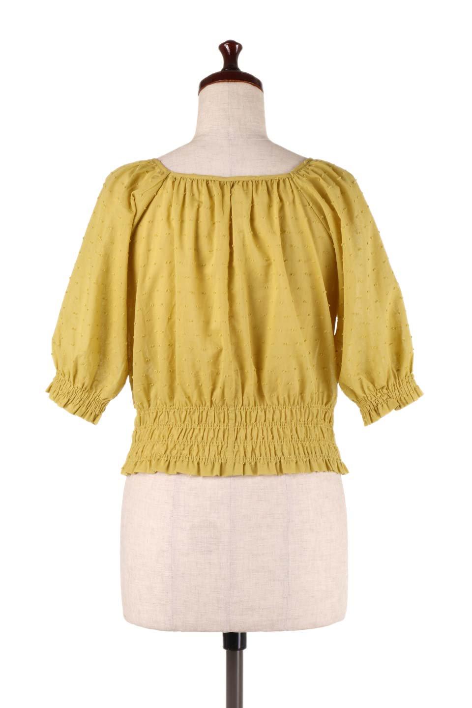 PuffSleeveCut-DobbyBlouseパフスリーブ・カットドビーブラウス大人カジュアルに最適な海外ファッションのothers(その他インポートアイテム)のトップスやシャツ・ブラウス。ショート丈のパフスリーブ・カットドビーブラウス。ポツポツと見えるドビー織が可愛いアイテム。/main-9