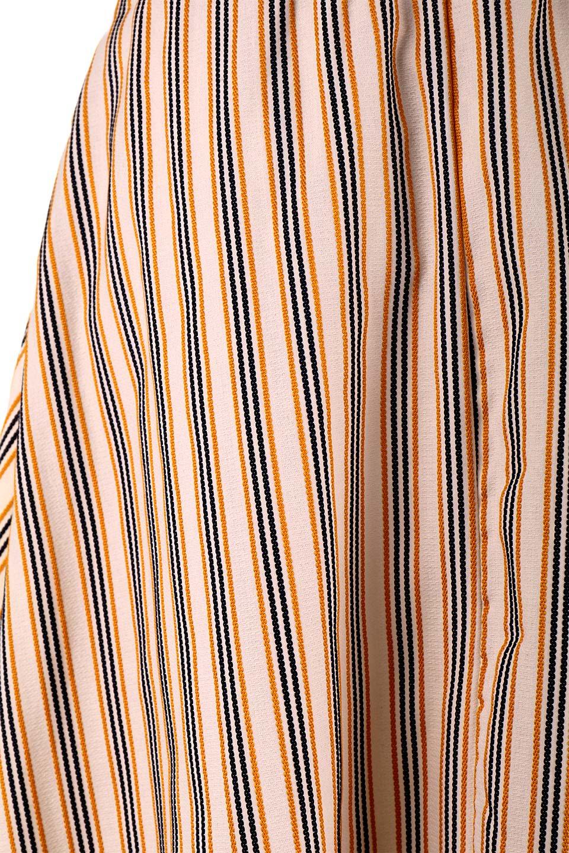 Multi-ColorStripedDobbySkirtマルチカラーストライプ・ミディ丈スカート大人カジュアルに最適な海外ファッションのothers(その他インポートアイテム)のボトムやスカート。爽やかなストライプが綺麗なMidi丈スカート。重くなりがちな丈の長さですが、細身のストライプですっきり着こなせます。/main-19