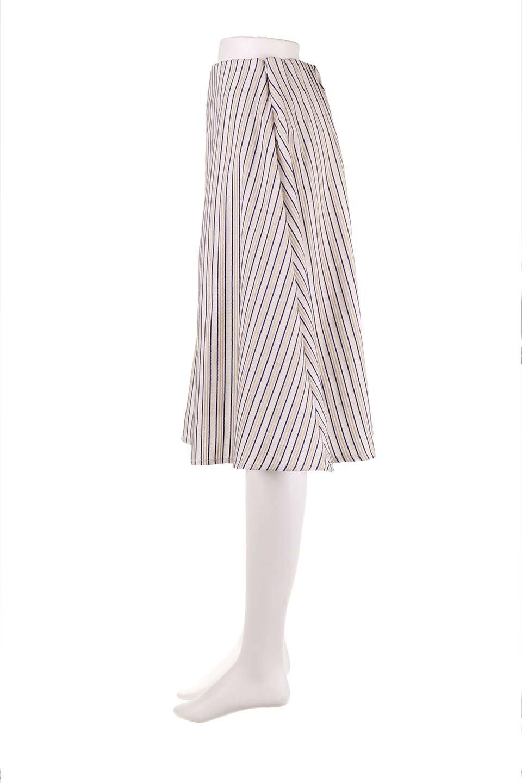 Multi-ColorStripedDobbySkirtマルチカラーストライプ・ミディ丈スカート大人カジュアルに最適な海外ファッションのothers(その他インポートアイテム)のボトムやスカート。爽やかなストライプが綺麗なMidi丈スカート。重くなりがちな丈の長さですが、細身のストライプですっきり着こなせます。/main-7