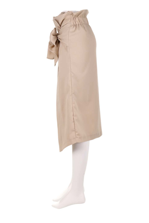 RibbonTiedAsymmetricalSkirtアシメントリー・リボンスカート大人カジュアルに最適な海外ファッションのothers(その他インポートアイテム)のボトムやスカート。フロントの大きなリボンがアクセントのアシメントリースカート。タイト目のスカートを両サイドから包み込むようなデザインです。/main-12