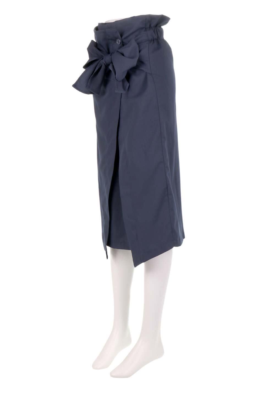 RibbonTiedAsymmetricalSkirtアシメントリー・リボンスカート大人カジュアルに最適な海外ファッションのothers(その他インポートアイテム)のボトムやスカート。フロントの大きなリボンがアクセントのアシメントリースカート。タイト目のスカートを両サイドから包み込むようなデザインです。/main-16
