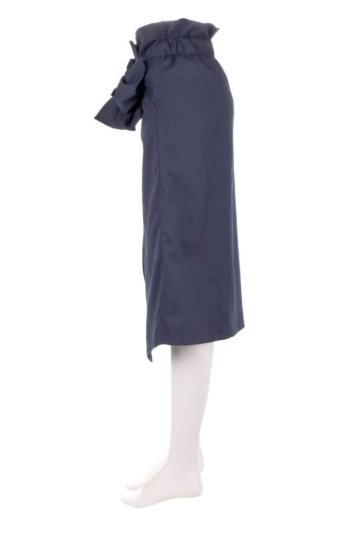 RibbonTiedAsymmetricalSkirtアシメントリー・リボンスカート大人カジュアルに最適な海外ファッションのothers(その他インポートアイテム)のボトムやスカート。フロントの大きなリボンがアクセントのアシメントリースカート。タイト目のスカートを両サイドから包み込むようなデザインです。/main-17