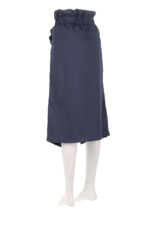 RibbonTiedAsymmetricalSkirtアシメントリー・リボンスカート大人カジュアルに最適な海外ファッションのothers(その他インポートアイテム)のボトムやスカート。フロントの大きなリボンがアクセントのアシメントリースカート。タイト目のスカートを両サイドから包み込むようなデザインです。/main-18