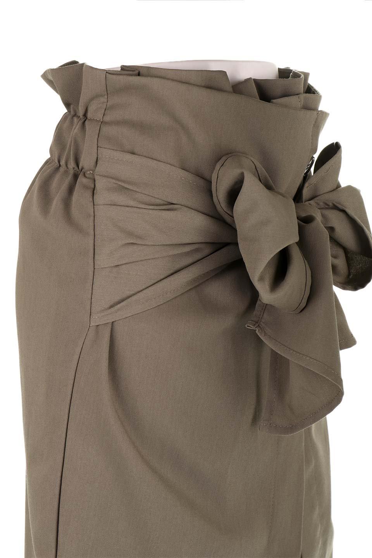 RibbonTiedAsymmetricalSkirtアシメントリー・リボンスカート大人カジュアルに最適な海外ファッションのothers(その他インポートアイテム)のボトムやスカート。フロントの大きなリボンがアクセントのアシメントリースカート。タイト目のスカートを両サイドから包み込むようなデザインです。/main-22