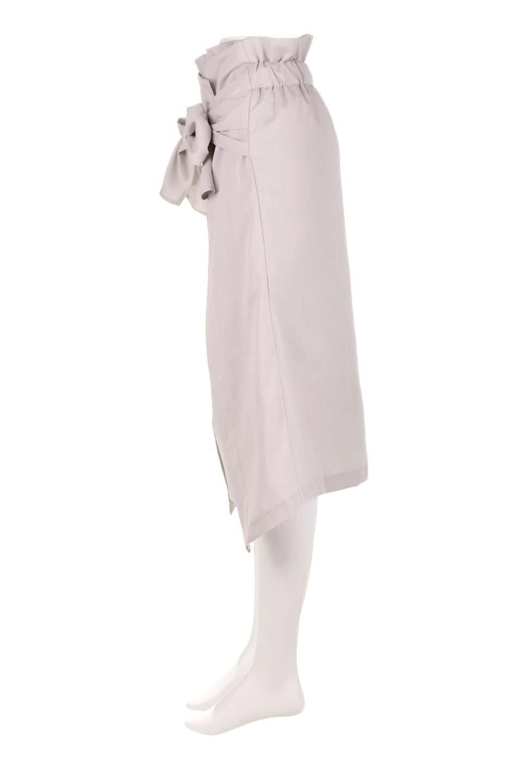 RibbonTiedAsymmetricalSkirtアシメントリー・リボンスカート大人カジュアルに最適な海外ファッションのothers(その他インポートアイテム)のボトムやスカート。フロントの大きなリボンがアクセントのアシメントリースカート。タイト目のスカートを両サイドから包み込むようなデザインです。/main-7