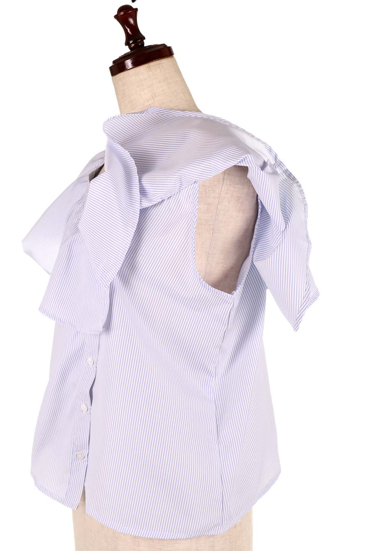 AsymmetricalOneShoulderStripedBlouseアシメントリー・ワンショルダーブラウス大人カジュアルに最適な海外ファッションのothers(その他インポートアイテム)のトップスやシャツ・ブラウス。アシメントリーデザインが可愛いストラップ付ワンショルダーブラウス。大き目のフリルがうまく二の腕を隠してくれる嬉しいアイテムです。/main-19