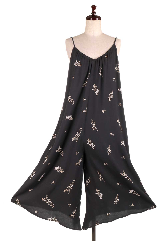 LOVESTITCHのCameliaJumpsuitクロップド・ガウチョジャンプスーツ/海外ファッションが好きな大人カジュアルのためのLOVESTITCH(ラブステッチ)のボトムやロンパース類。落ち着いたイメージのシックな花柄キャミジャンプスーツ。控えめな単色の花柄のモノトーンで大人のリラックスコーデに最適。/main-10