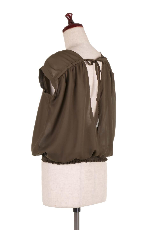 SleevelessOpenBackBlouseノースリーブ・オープンバックブラウス大人カジュアルに最適な海外ファッションのothers(その他インポートアイテム)のトップスやシャツ・ブラウス。背中が開いたオープンバックスタイルのノースリーブブラウス。透け感のある涼しげで大人ぽいアイテムです。/main-13