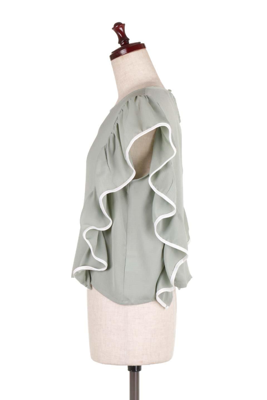 PipingDetailFrilledBlouseパイピング・フリルブラウス大人カジュアルに最適な海外ファッションのothers(その他インポートアイテム)のトップスやシャツ・ブラウス。ダブルジョーゼットの生地を使用したボリュームフリルのノースリーブブラウス。着心地の良いソフトア肌触りとフリルについたパイピングがポイントのブラウス。/main-7
