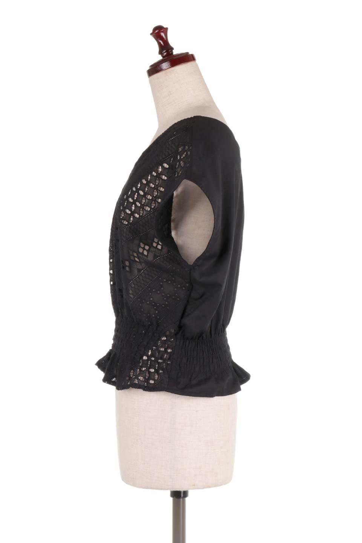 EyeletlaceBlouseアイレットレースブラウス大人カジュアルに最適な海外ファッションのothers(その他インポートアイテム)のトップスやシャツ・ブラウス。アイレットレースでデザインしたノースリーブブラウス。Vゾーンから広がるアイレットレースが可愛いアイテムです。/main-17