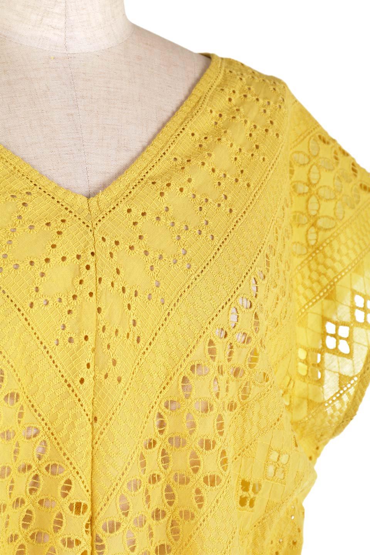 EyeletlaceBlouseアイレットレースブラウス大人カジュアルに最適な海外ファッションのothers(その他インポートアイテム)のトップスやシャツ・ブラウス。アイレットレースでデザインしたノースリーブブラウス。Vゾーンから広がるアイレットレースが可愛いアイテムです。/main-25