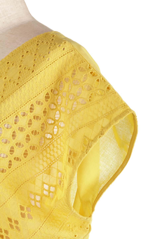 EyeletlaceBlouseアイレットレースブラウス大人カジュアルに最適な海外ファッションのothers(その他インポートアイテム)のトップスやシャツ・ブラウス。アイレットレースでデザインしたノースリーブブラウス。Vゾーンから広がるアイレットレースが可愛いアイテムです。/main-26