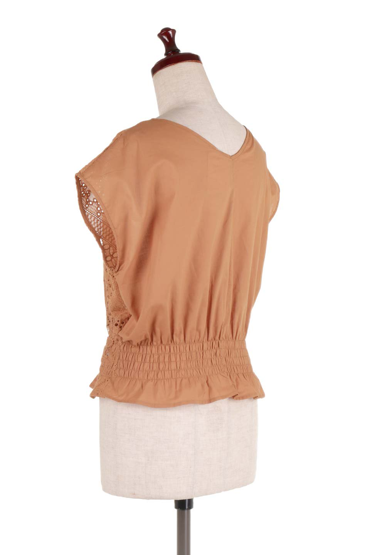 EyeletlaceBlouseアイレットレースブラウス大人カジュアルに最適な海外ファッションのothers(その他インポートアイテム)のトップスやシャツ・ブラウス。アイレットレースでデザインしたノースリーブブラウス。Vゾーンから広がるアイレットレースが可愛いアイテムです。/main-8