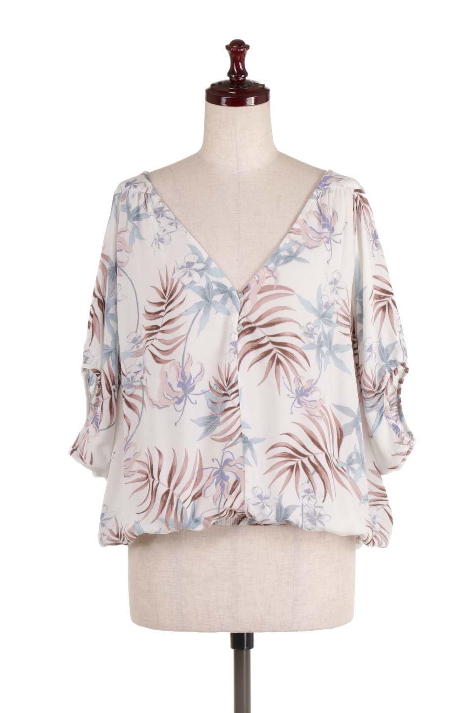 LOVESTITCHのNemaTopボタニカルプリント・ドルマンブラウス/海外ファッションが好きな大人カジュアルのためのLOVESTITCH(ラブステッチ)のトップスやシャツ・ブラウス。優しい配色のボタニカルプリントが涼しげなドルマンスリーブの半袖ブラウス。とにかく重宝するラブステッチのブラウス。