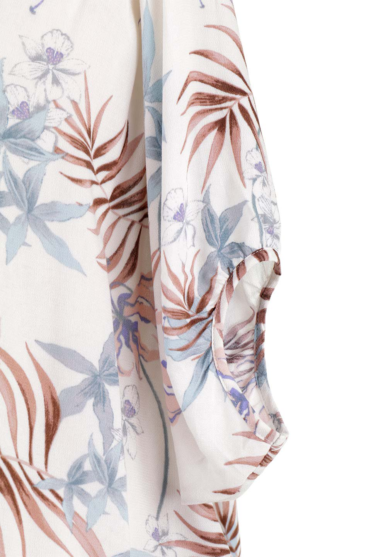 LOVESTITCHのNemaTopボタニカルプリント・ドルマンブラウス/海外ファッションが好きな大人カジュアルのためのLOVESTITCH(ラブステッチ)のトップスやシャツ・ブラウス。優しい配色のボタニカルプリントが涼しげなドルマンスリーブの半袖ブラウス。とにかく重宝するラブステッチのブラウス。/main-20