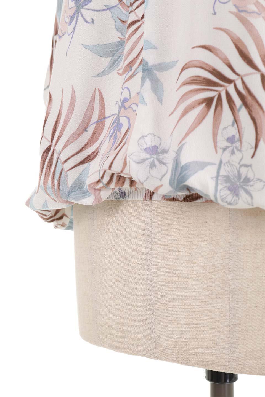 LOVESTITCHのNemaTopボタニカルプリント・ドルマンブラウス/海外ファッションが好きな大人カジュアルのためのLOVESTITCH(ラブステッチ)のトップスやシャツ・ブラウス。優しい配色のボタニカルプリントが涼しげなドルマンスリーブの半袖ブラウス。とにかく重宝するラブステッチのブラウス。/main-22