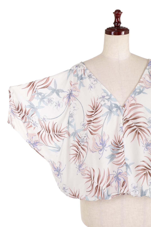 LOVESTITCHのNemaTopボタニカルプリント・ドルマンブラウス/海外ファッションが好きな大人カジュアルのためのLOVESTITCH(ラブステッチ)のトップスやシャツ・ブラウス。優しい配色のボタニカルプリントが涼しげなドルマンスリーブの半袖ブラウス。とにかく重宝するラブステッチのブラウス。/main-23