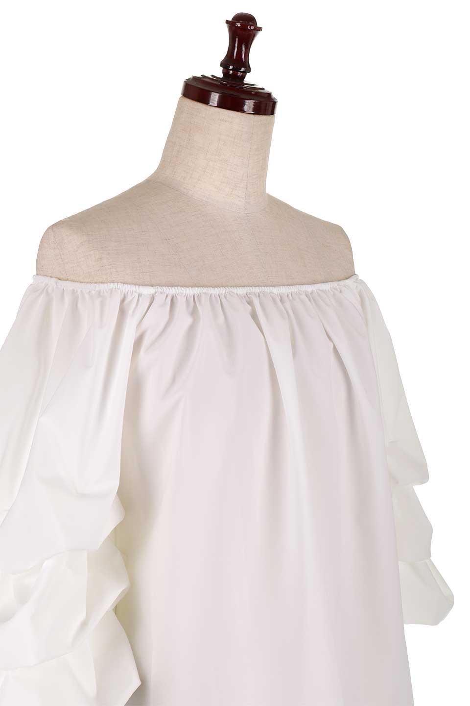 JosephRibkoffのTop#1834233段バルーンスリーブ・ブラウス/JosephRibkoffのトップスやシャツ・ブラウス。袖にボリュームをもたせて、ふんわりとしたイメージを醸し出すブラウス。オフショルダーと大きすぎないルーズサイズのデザインです。/main-5