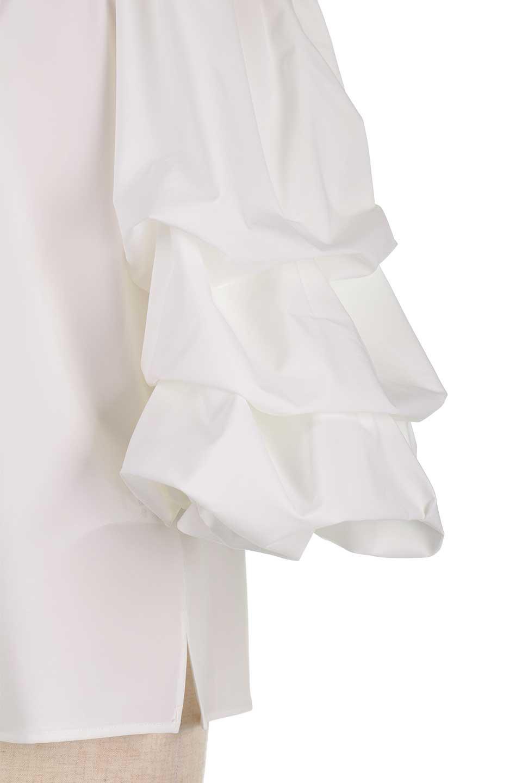 JosephRibkoffのTop#1834233段バルーンスリーブ・ブラウス/JosephRibkoffのトップスやシャツ・ブラウス。袖にボリュームをもたせて、ふんわりとしたイメージを醸し出すブラウス。オフショルダーと大きすぎないルーズサイズのデザインです。/main-9
