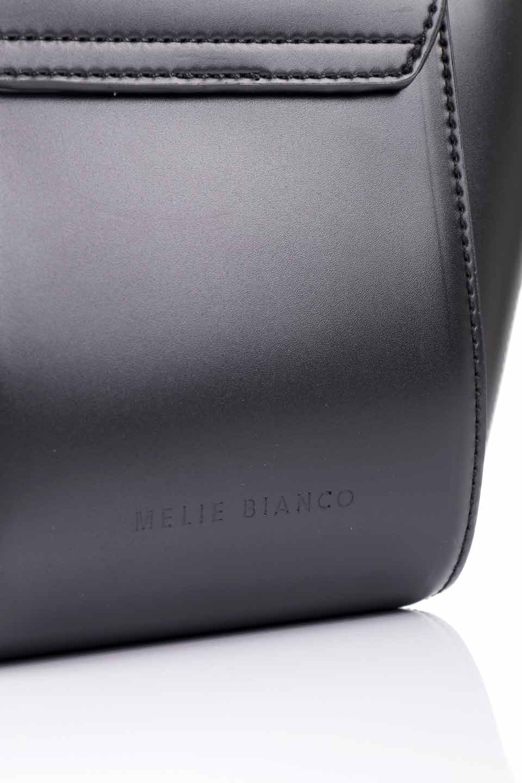 meliebiancoのAdele(Black)/海外ファッション好きにオススメのインポートバッグとかばん、MelieBianco(メリービアンコ)のバッグやショルダーバッグ。小ぶりで可愛らしいミニショルダーバッグ。半艶加工のセミグロス・ビーガンレザーを使用し、なめらかな質感が高級感を醸し出します。/main-12