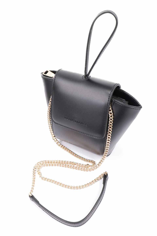 meliebiancoのAdele(Black)/海外ファッション好きにオススメのインポートバッグとかばん、MelieBianco(メリービアンコ)のバッグやショルダーバッグ。小ぶりで可愛らしいミニショルダーバッグ。半艶加工のセミグロス・ビーガンレザーを使用し、なめらかな質感が高級感を醸し出します。/main-16