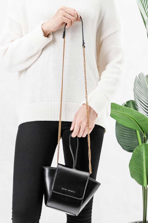 meliebiancoのAdele(Black)/海外ファッション好きにオススメのインポートバッグとかばん、MelieBianco(メリービアンコ)のバッグやショルダーバッグ。小ぶりで可愛らしいミニショルダーバッグ。半艶加工のセミグロス・ビーガンレザーを使用し、なめらかな質感が高級感を醸し出します。/main-5
