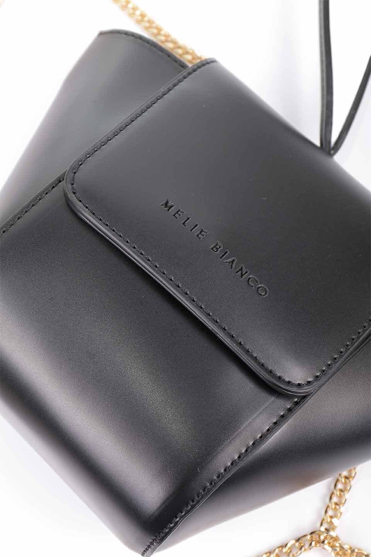 meliebiancoのAdele(Black)/海外ファッション好きにオススメのインポートバッグとかばん、MelieBianco(メリービアンコ)のバッグやショルダーバッグ。小ぶりで可愛らしいミニショルダーバッグ。半艶加工のセミグロス・ビーガンレザーを使用し、なめらかな質感が高級感を醸し出します。/main-17