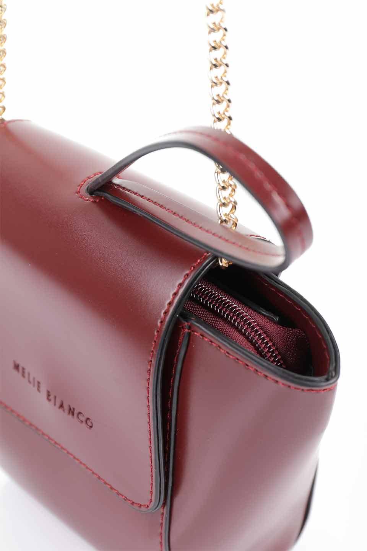meliebiancoのAdele(Burgundy)/海外ファッション好きにオススメのインポートバッグとかばん、MelieBianco(メリービアンコ)のバッグやショルダーバッグ。小ぶりで可愛らしいミニショルダーバッグ。半艶加工のセミグロス・ビーガンレザーを使用し、なめらかな質感が高級感を醸し出します。/main-13