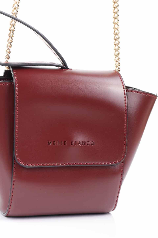 meliebiancoのAdele(Burgundy)/海外ファッション好きにオススメのインポートバッグとかばん、MelieBianco(メリービアンコ)のバッグやショルダーバッグ。小ぶりで可愛らしいミニショルダーバッグ。半艶加工のセミグロス・ビーガンレザーを使用し、なめらかな質感が高級感を醸し出します。/main-14
