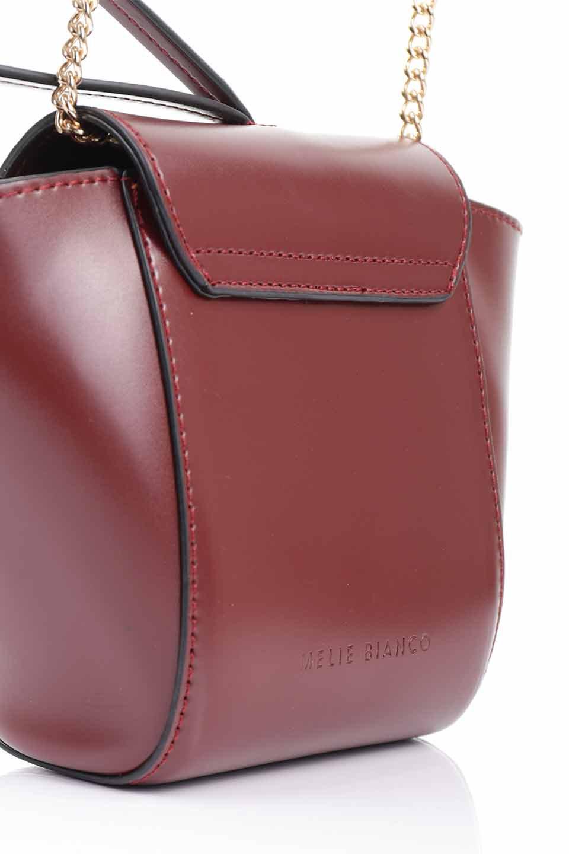 meliebiancoのAdele(Burgundy)/海外ファッション好きにオススメのインポートバッグとかばん、MelieBianco(メリービアンコ)のバッグやショルダーバッグ。小ぶりで可愛らしいミニショルダーバッグ。半艶加工のセミグロス・ビーガンレザーを使用し、なめらかな質感が高級感を醸し出します。/main-15