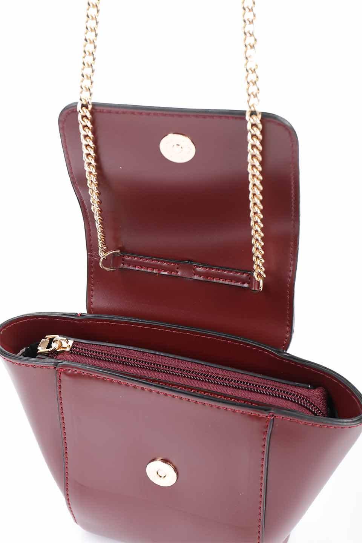 meliebiancoのAdele(Burgundy)/海外ファッション好きにオススメのインポートバッグとかばん、MelieBianco(メリービアンコ)のバッグやショルダーバッグ。小ぶりで可愛らしいミニショルダーバッグ。半艶加工のセミグロス・ビーガンレザーを使用し、なめらかな質感が高級感を醸し出します。/main-19
