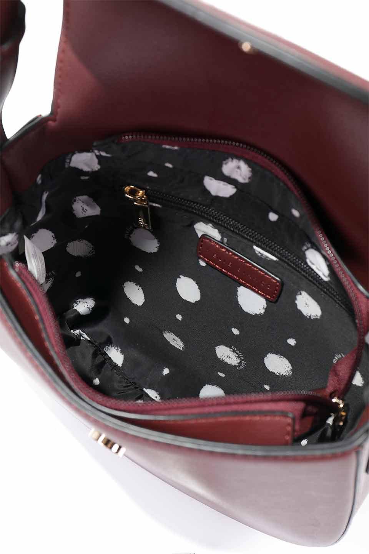 meliebiancoのAdele(Burgundy)/海外ファッション好きにオススメのインポートバッグとかばん、MelieBianco(メリービアンコ)のバッグやショルダーバッグ。小ぶりで可愛らしいミニショルダーバッグ。半艶加工のセミグロス・ビーガンレザーを使用し、なめらかな質感が高級感を醸し出します。/main-21
