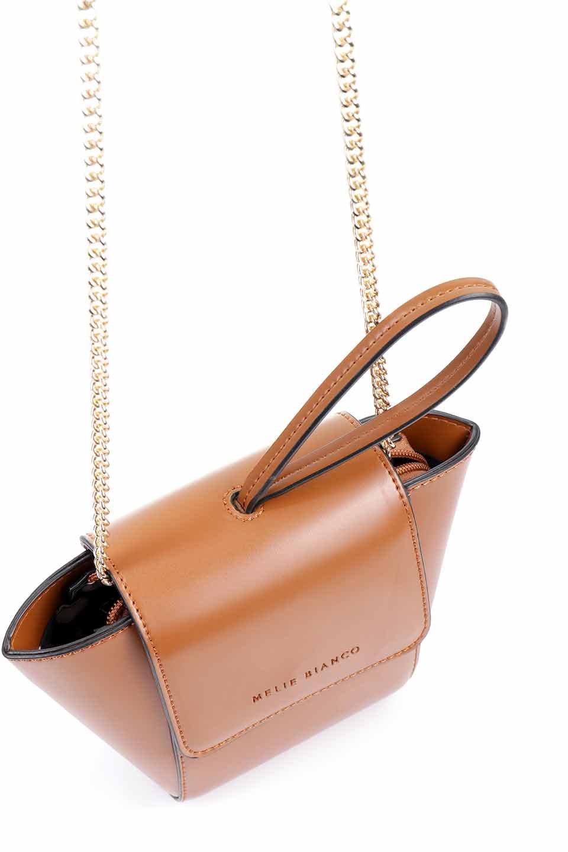 meliebiancoのAdele(Saddle)/海外ファッション好きにオススメのインポートバッグとかばん、MelieBianco(メリービアンコ)のバッグやショルダーバッグ。小ぶりで可愛らしいミニショルダーバッグ。半艶加工のセミグロス・ビーガンレザーを使用し、なめらかな質感が高級感を醸し出します。/main-12