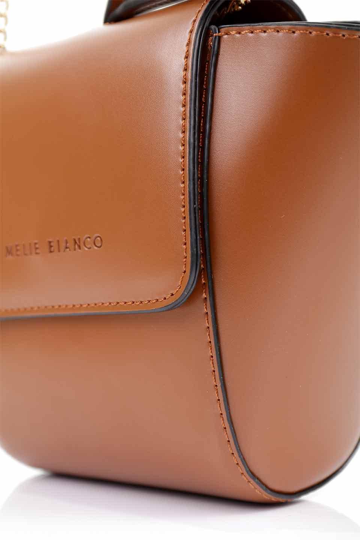 meliebiancoのAdele(Saddle)/海外ファッション好きにオススメのインポートバッグとかばん、MelieBianco(メリービアンコ)のバッグやショルダーバッグ。小ぶりで可愛らしいミニショルダーバッグ。半艶加工のセミグロス・ビーガンレザーを使用し、なめらかな質感が高級感を醸し出します。/main-15