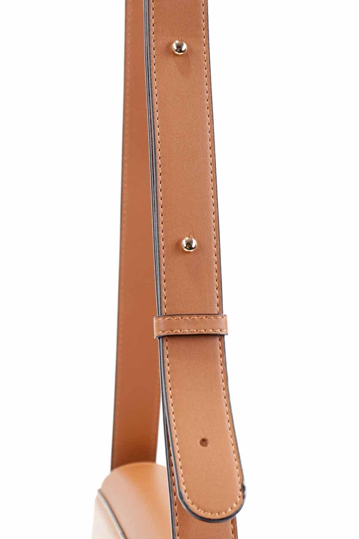 meliebiancoのPiper(Saddle)/海外ファッション好きにオススメのインポートバッグとかばん、MelieBianco(メリービアンコ)のバッグやショルダーバッグ。メリービアンコの中でも根強い人気のラウンドタイプのショルダーバッグ。芯入りのなので型くずれしにくく、綺麗なアーチを保ちます。/main-12