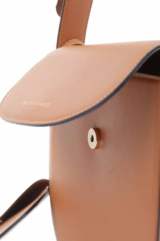 meliebiancoのPiper(Saddle)/海外ファッション好きにオススメのインポートバッグとかばん、MelieBianco(メリービアンコ)のバッグやショルダーバッグ。メリービアンコの中でも根強い人気のラウンドタイプのショルダーバッグ。芯入りのなので型くずれしにくく、綺麗なアーチを保ちます。/main-14