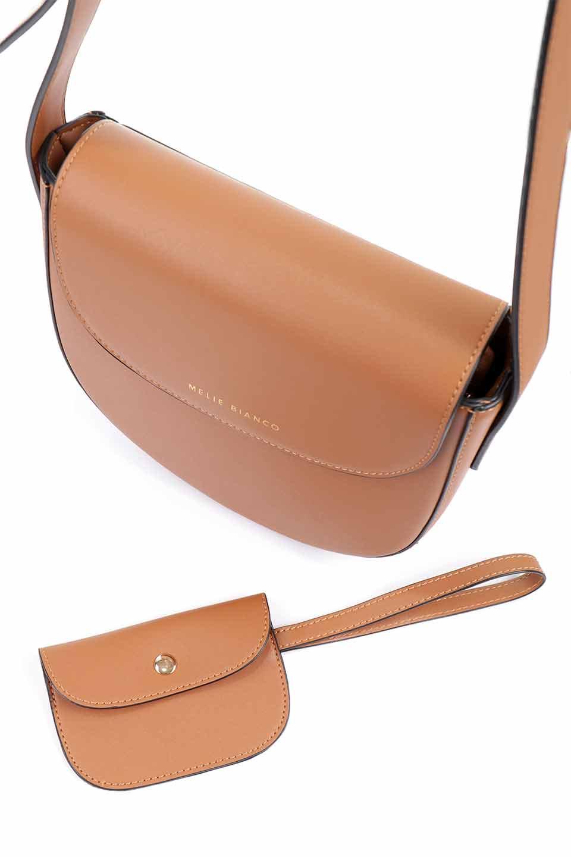 meliebiancoのPiper(Saddle)/海外ファッション好きにオススメのインポートバッグとかばん、MelieBianco(メリービアンコ)のバッグやショルダーバッグ。メリービアンコの中でも根強い人気のラウンドタイプのショルダーバッグ。芯入りのなので型くずれしにくく、綺麗なアーチを保ちます。/main-9