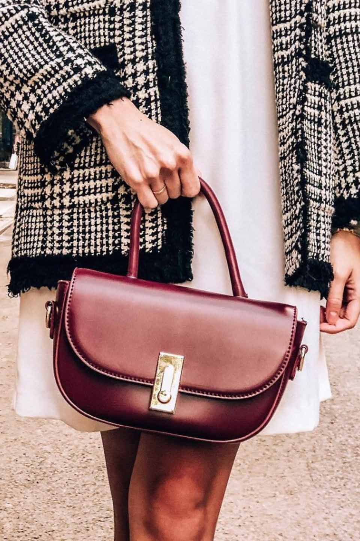 meliebiancoのAlba(Burgundy)/海外ファッション好きにオススメのインポートバッグとかばん、MelieBianco(メリービアンコ)のバッグやショルダーバッグ。高級感のあるセミグロスのビーガンレザーを使用した2Wayハンドバッグ。しっとりとしたツヤ感がとても素敵なバッグです。/main-10