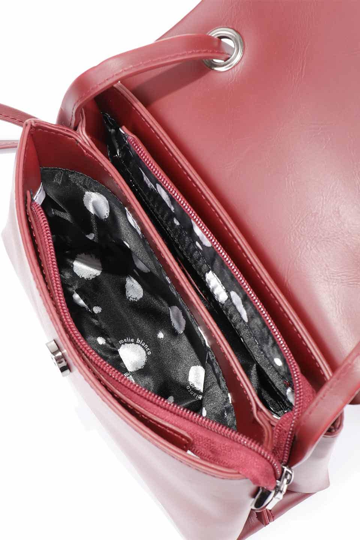 meliebiancoのRiley(Burgundy)/海外ファッション好きにオススメのインポートバッグとかばん、MelieBianco(メリービアンコ)のバッグやハンドバッグ。コンパクトでありながら2つの荷室で使いやすいショルダーバッグ。2重になったフラップのボリュームと、ふっくらしたサイドのデザインが優しい印象のバッグです。/main-15