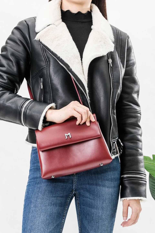 meliebiancoのRiley(Burgundy)/海外ファッション好きにオススメのインポートバッグとかばん、MelieBianco(メリービアンコ)のバッグやハンドバッグ。コンパクトでありながら2つの荷室で使いやすいショルダーバッグ。2重になったフラップのボリュームと、ふっくらしたサイドのデザインが優しい印象のバッグです。/main-7