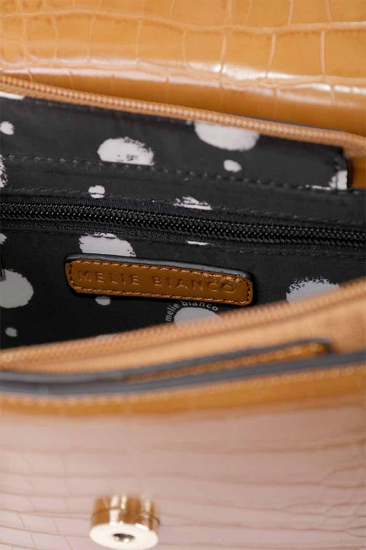 meliebiancoのLena(Saddle)/海外ファッション好きにオススメのインポートバッグとかばん、MelieBianco(メリービアンコ)のバッグやハンドバッグ。クロコダイルの型押しで高級感があるミニハンドバッグ。なめらかな艶感と硬めの質感でまるで本物の様なビーガンレザーを使用しています。/main-17
