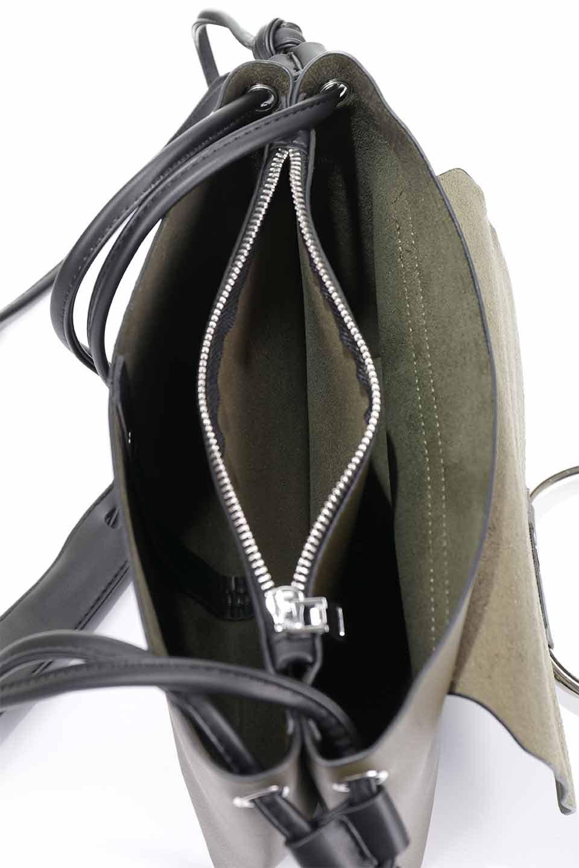 meliebiancoのDillen(Olive)/海外ファッション好きにオススメのインポートバッグとかばん、MelieBianco(メリービアンコ)のバッグやショルダーバッグ。落ち着いた雰囲気のカジュアルコーデにぴったりなショルダーバッグ。ゴールドのリングが大人っぽいアクセントのお手頃サイズのバッグです。/main-19