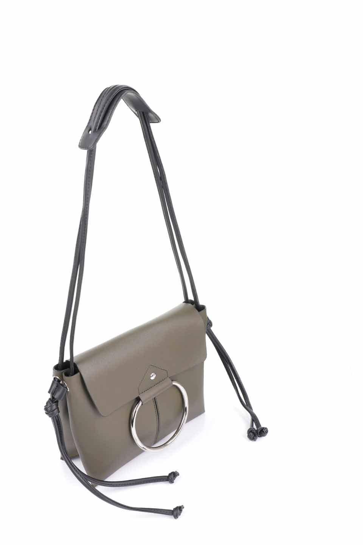 meliebiancoのDillen(Olive)/海外ファッション好きにオススメのインポートバッグとかばん、MelieBianco(メリービアンコ)のバッグやショルダーバッグ。落ち着いた雰囲気のカジュアルコーデにぴったりなショルダーバッグ。ゴールドのリングが大人っぽいアクセントのお手頃サイズのバッグです。/main-6
