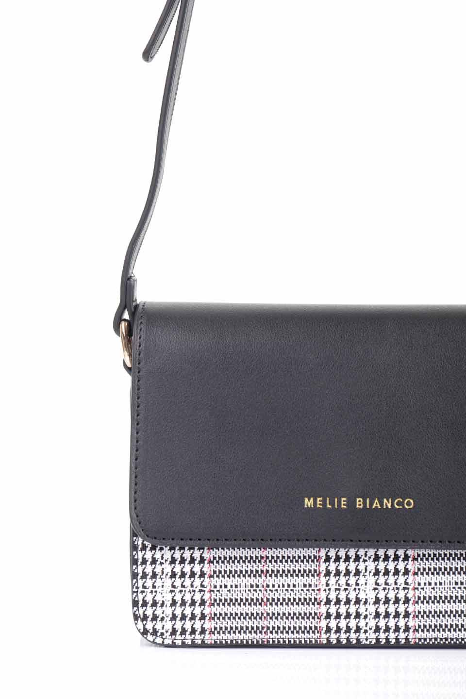 meliebiancoのDesi(Black)/海外ファッション好きにオススメのインポートバッグとかばん、MelieBianco(メリービアンコ)のバッグやショルダーバッグ。人気のチェック柄をあしらったコンパクトサイズのショルダーバッグ。レザー部分とチェックのカラーを合わせているのも心憎いポイント。/main-12